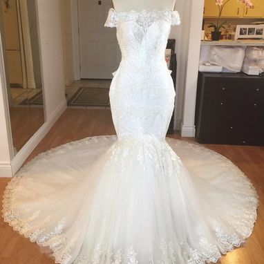 Custom Made Off-Shoulder Trumpet Gown With Bonding Bodice