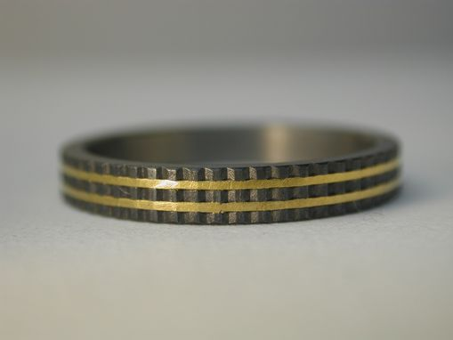 Custom Made Knurled Titanium Wedding Ring With Gold Inlay.