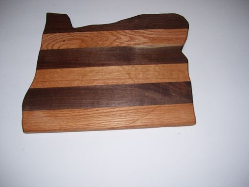 Custom Made Oregon State Cutting Board Made From Oak And Walnut