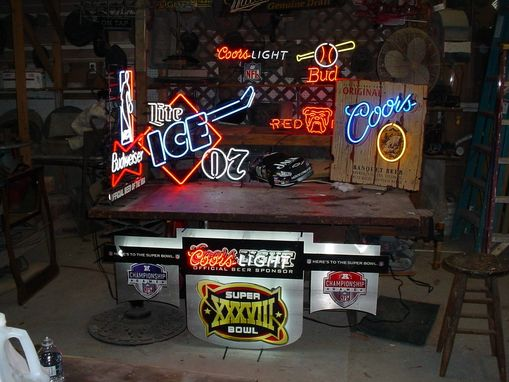Custom Made Neon Lights Bought Sold Repaired