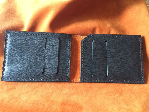 Custom Made Wood Grain Leather Men's Bifold Wallet With Vertical Pockets Front Pocket Style