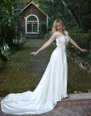 Custom Made Vintage 1930s Wedding Dress Goregous Silk Satin And Chantilly Lace Bridal Gown