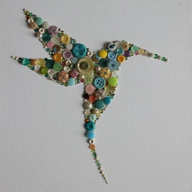 Custom Made Sold ~ Hummingbird Button Art