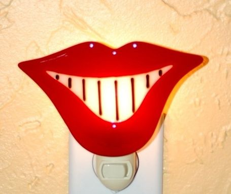 "Custom Made ""Smile"" - Fused Glass Nightlight"