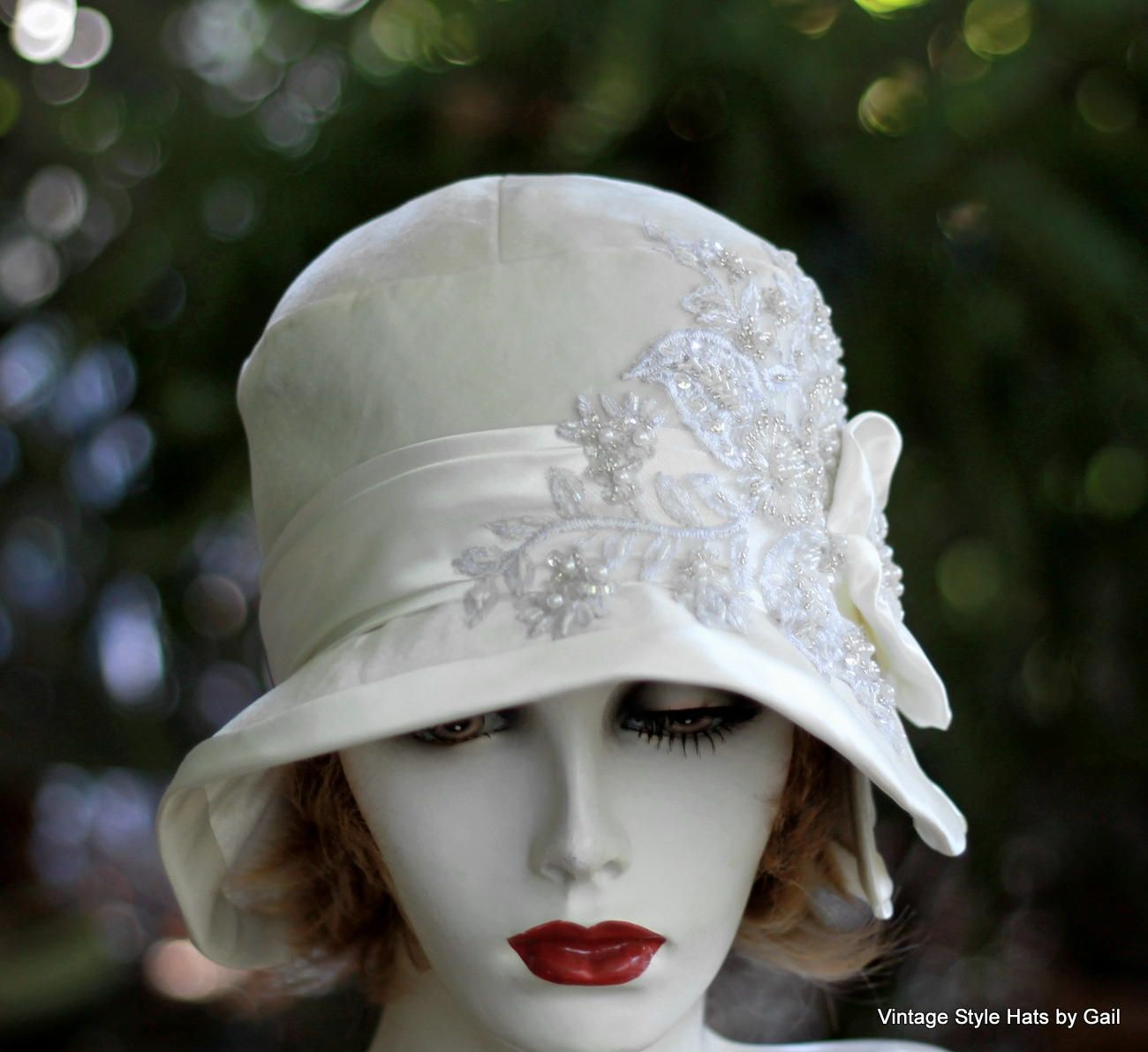 Custom Made 1920s Great Gatsby Wedding Party Cloche Hat In White Velvet  Lace Pearls And Sequins e03927756e9