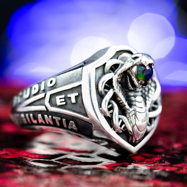 Custom Class Rings | Design Your Own College Class Ring