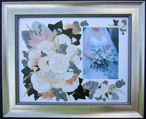Custom Made Preserved Bridal Bouquet With Wedding Picture