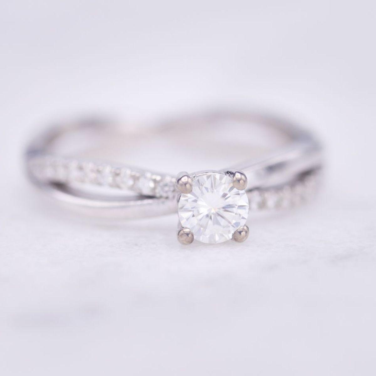 Moissanite Engagement Rings | CustomMade com