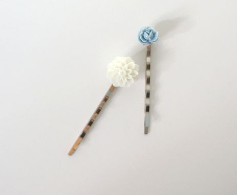 Custom Made Hair Pin With Blue Flower Cabochon