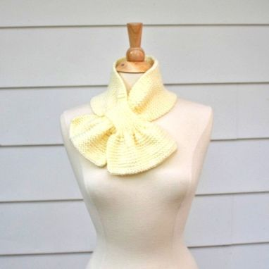 Custom Made Knit Scarf - Scarflette - Keyhole Scarf Cream White Warm Winter