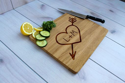 Custom Made Personalized Cutting Board, Engraved Cutting Board, Custom Wedding Gift – Cb-Wo-Heartinitials