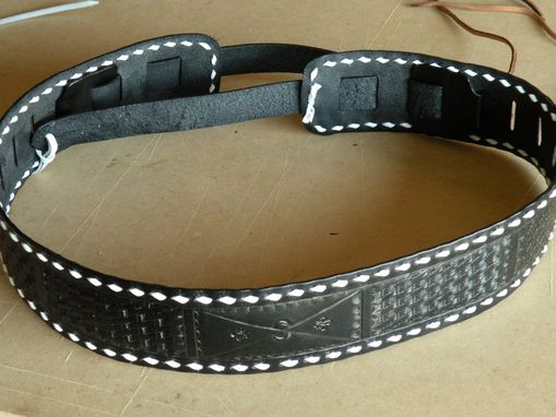 Custom Made Basic Guitar Strap With Buckstitching