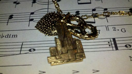 Custom Made Sale 9/11 We Will Never Forget - I Heart Nyc Necklace In Gold, Heart, Skyline, And Pretzel