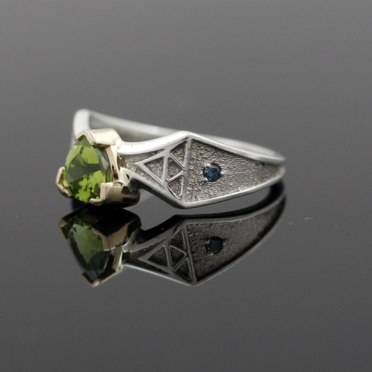 triforce ring jewelry triforce wedding ring Custom Made Peridot Triforce Ring