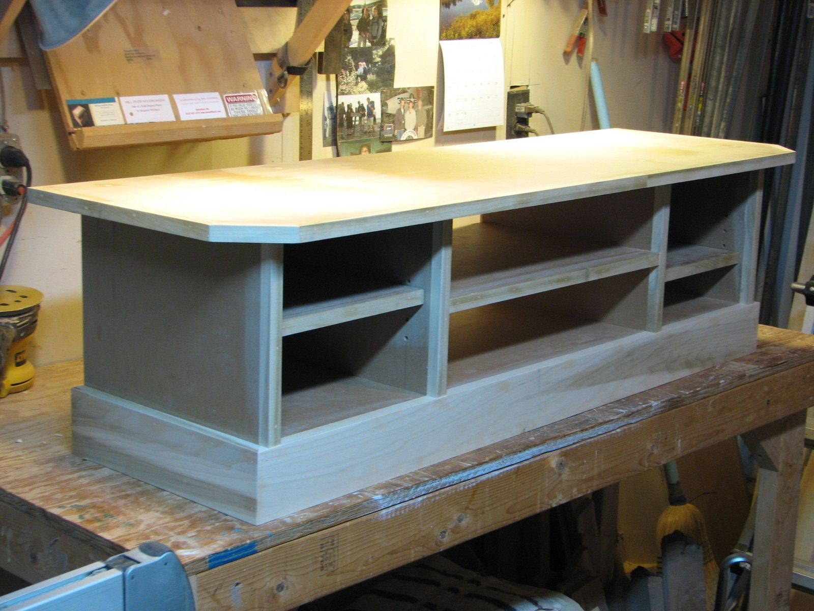 custom made t v stand by ben whitbeck woodworking. Black Bedroom Furniture Sets. Home Design Ideas