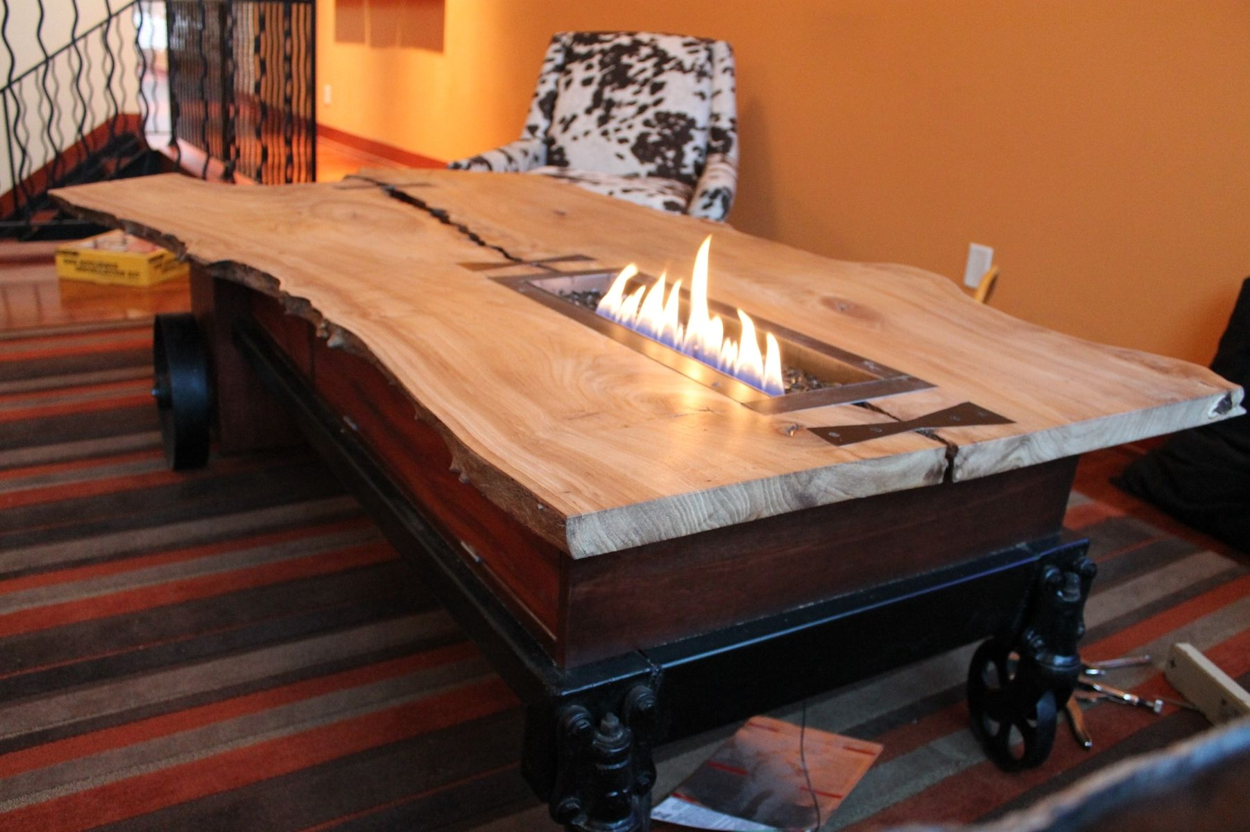hand made coffee table//fireplace//industrial cartcrafty