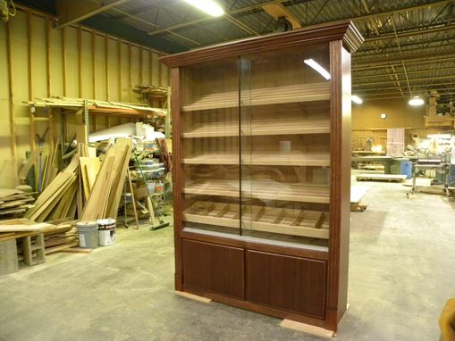 Custom Made Crown & Fluted Red Mahogany Humidor Display