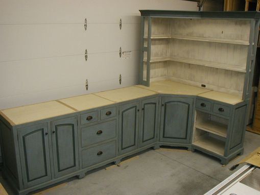 Custom Made Bed And Breakfast Cabinets