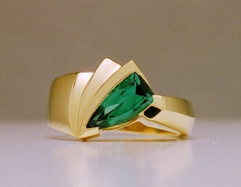 Custom Made 18k Yellow Gold Ladies Ring With Green Tourmaline