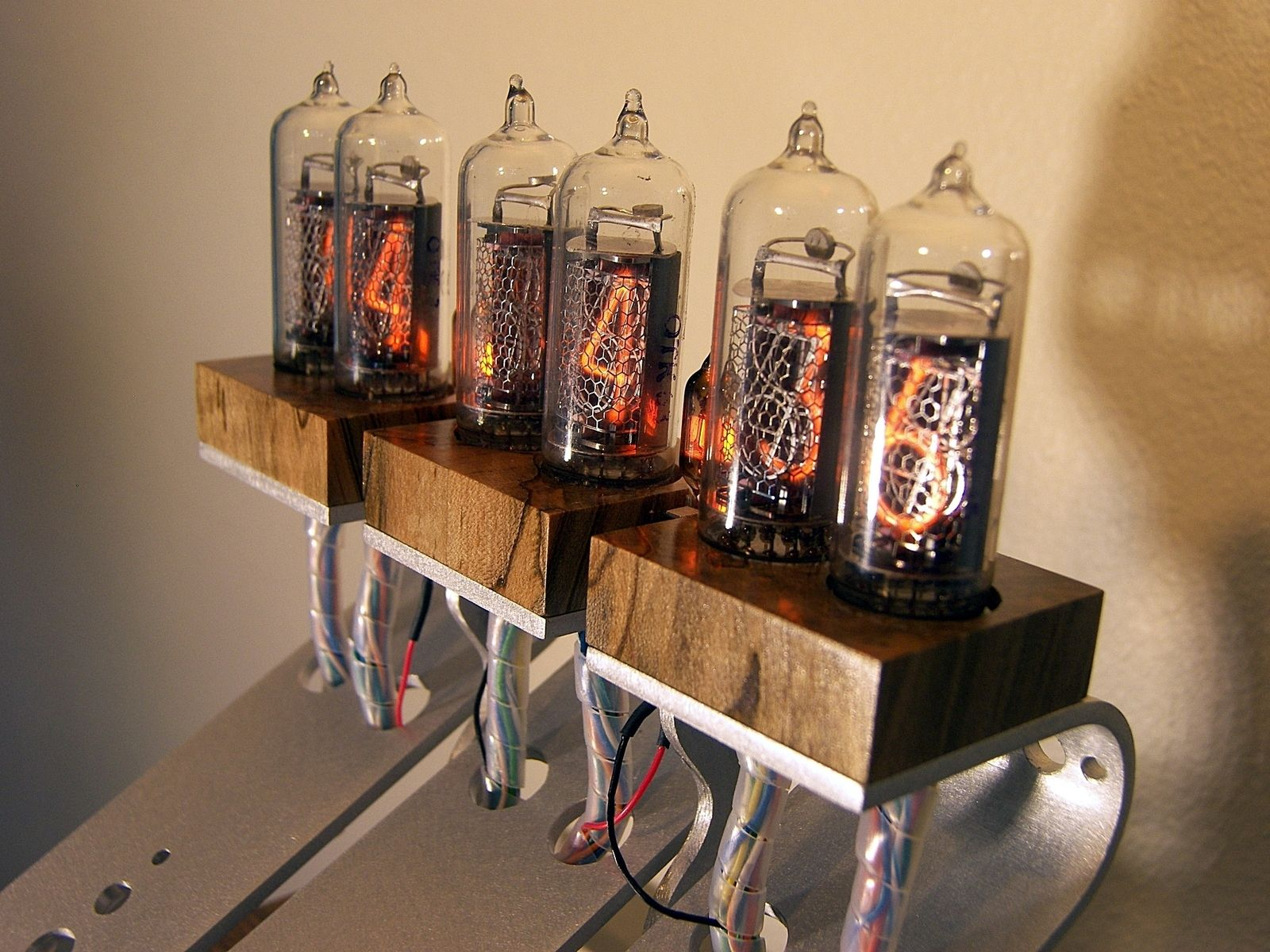 Retro Industrial Nixie Tube Clock