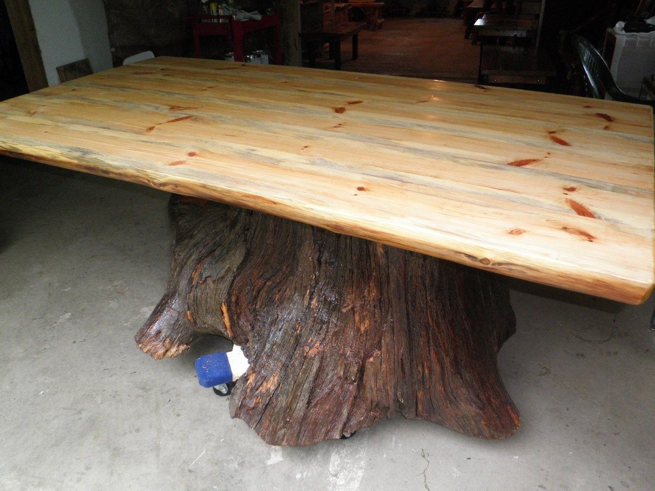 Custom real oak tree trunk kitchen dining table one of for Tree trunk dining table