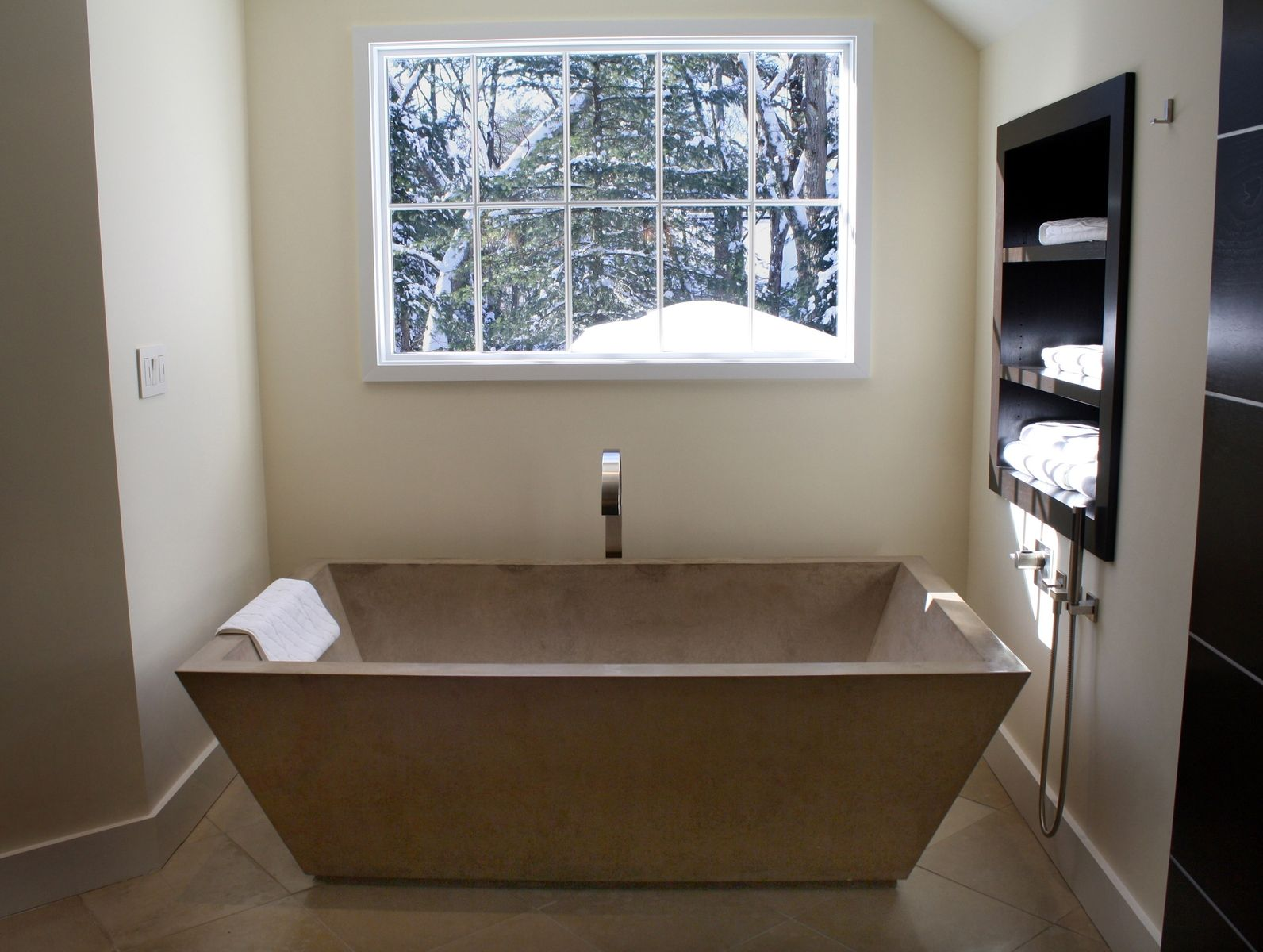 Hand Crafted Concrete Tub By Stone Soup Concrete Inc