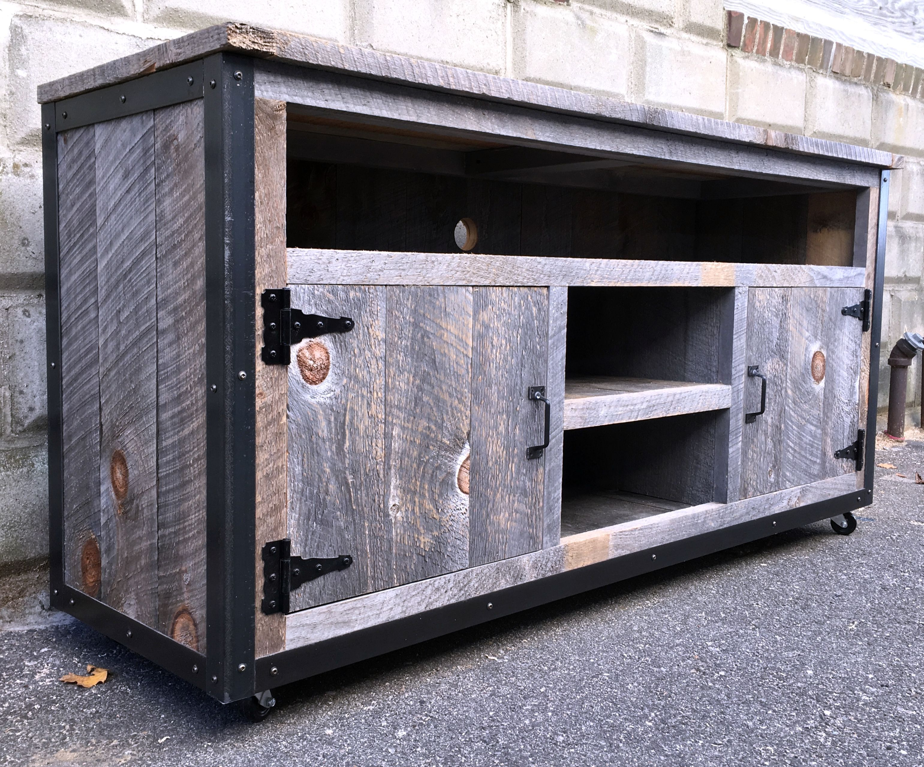 hand made rustic industrial weathered barn board entertainment center tv stand reclaimed wood 62. Black Bedroom Furniture Sets. Home Design Ideas