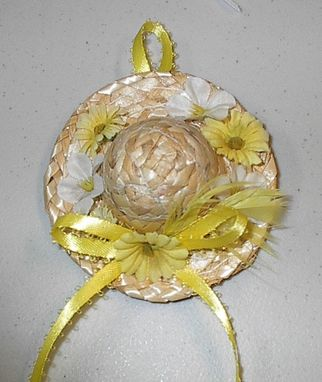 Custom Made Straw Hat Pin In Yellow And White Flowers