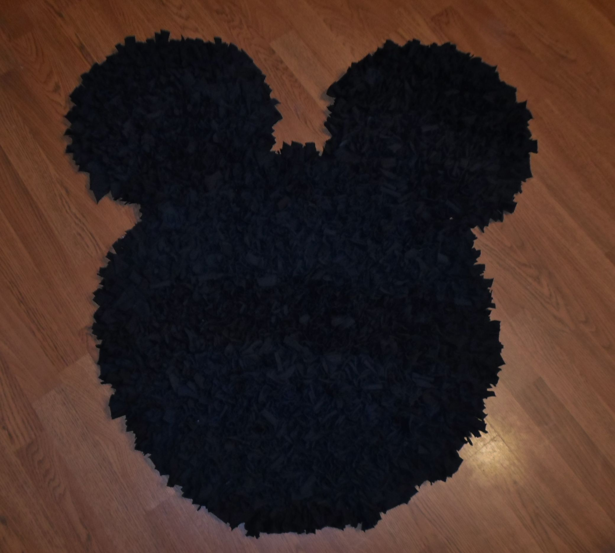 hand crafted decorative mickey mouse rug black t-shirt upcycled shag