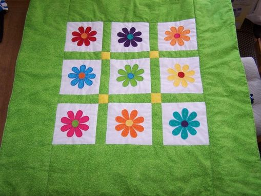 Custom Made Gerber Daisy Quilt