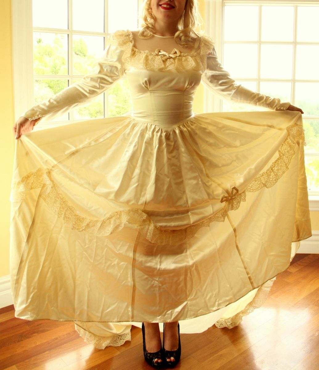 hand made vintage 40s wedding dress in silk satin and chantilly lace with satin rope bow accents