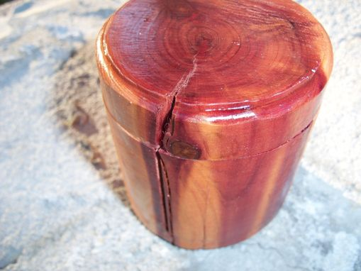 Custom Made Cylindrical Cedar Bandsaw Box