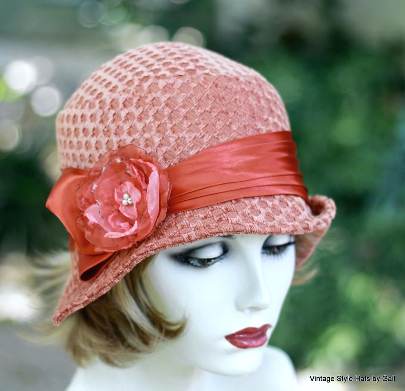 b2392ee51b70a5 Custom Made Vintage 1920'S Cloche Hat Vintage Style In Perfectly Peach