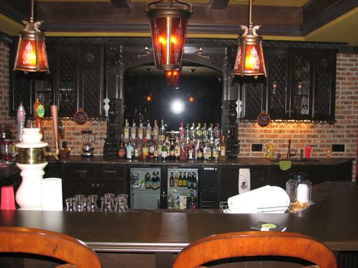 Custom Made Pub, Bar, Custom Bar Cabinets, Custom Basment Bar,