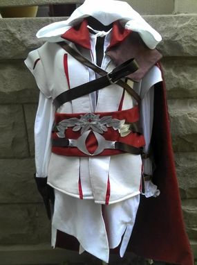 Custom Made Cosplay: Assassin's Creed -