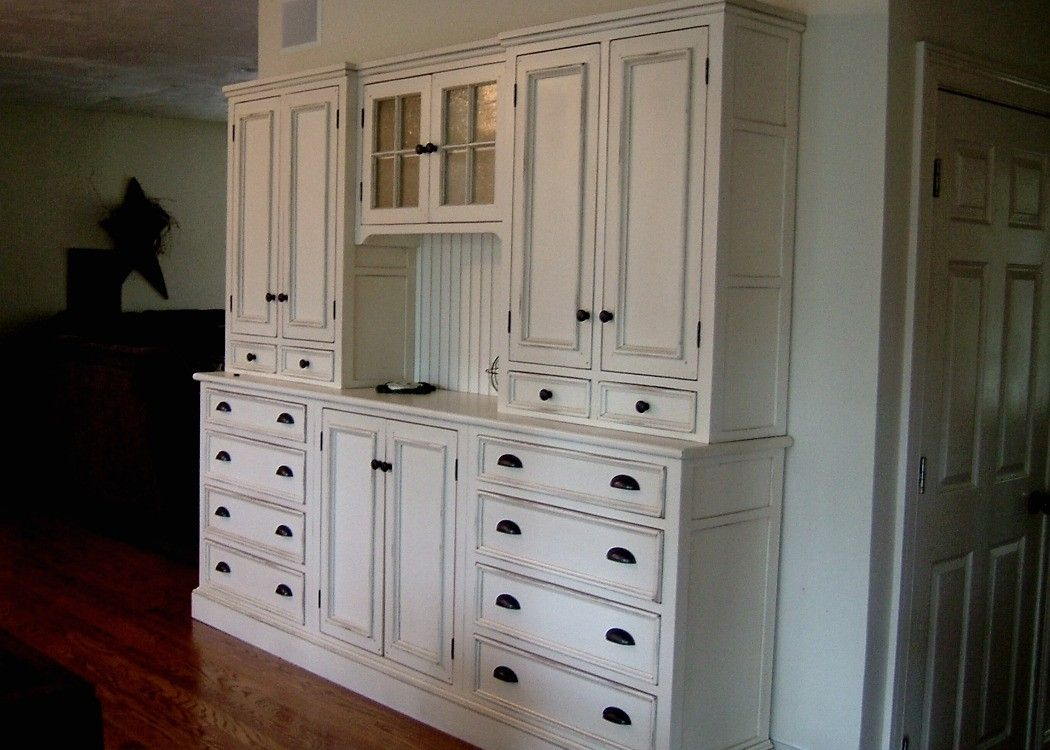 Handmade white kitchen hutch by blackington furniture for Küchenbuffets