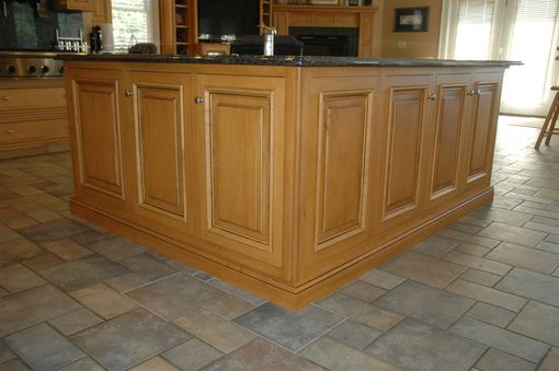 Custom Made Traditional Maple Kitchen