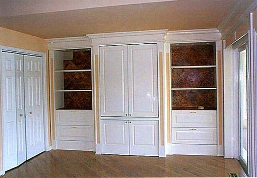 Custom Made Built-In Cabinets