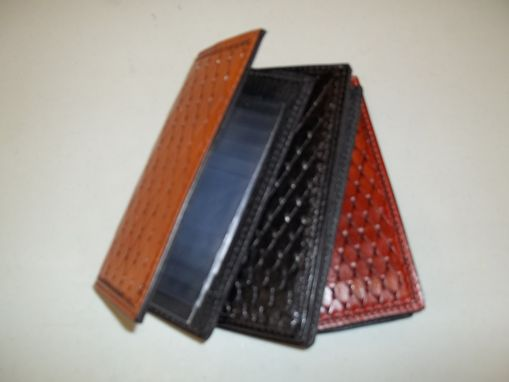 Custom Made Men And Womens Wallets Different Colors And Sizes
