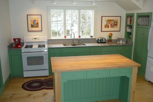 Custom Made Kitchen In Colonial Green