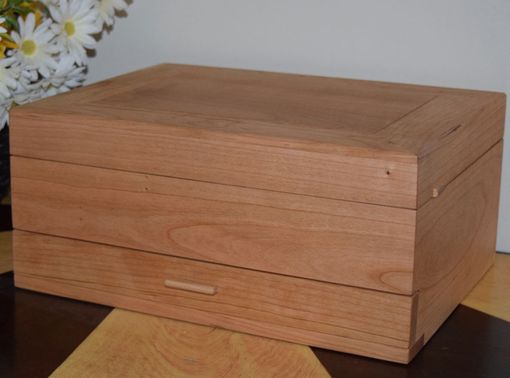 Custom Made Natural Wood Grain Jewelry Box In Tiger Maple