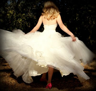 Custom Made Vintage 1940s Tulle And Lace Strapless Fairy Tale Princess Wedding Gown With Rhinestones Xs