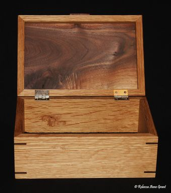 Custom Made (One Available Buy Now) Oak Keepsake Box With Walnut Top And Walnut Miter Keys/Joints - Handmade