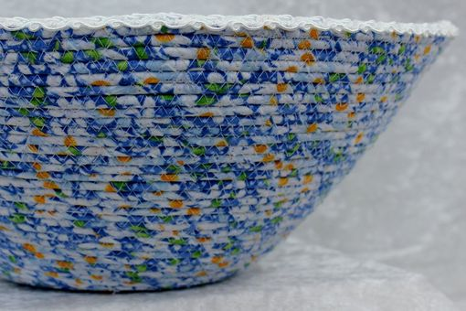 Custom Made Fabric Bowl - Fabric Art - Home Decor - Wrapped Clothesline - Large Daisy V-Shaped Bowl