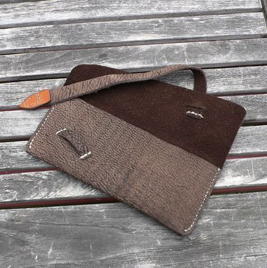 Custom Made Garny - Leather Makeup Pouch - Dark Brown Bison Leather
