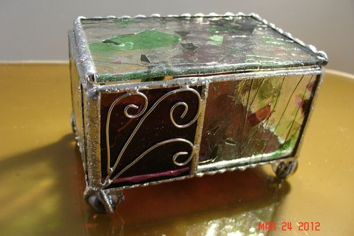 Custom Made Claw Footed Hinged Stained Glass Box In Plum And Green Streamer Glass With Plum Panels