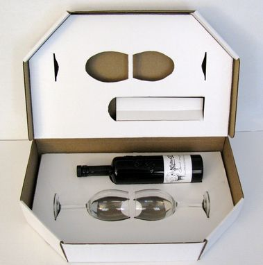 Custom Made Wine Shipperbox Design`