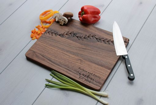 Custom Made Personalized Cutting Board, Engraved Cutting Board, Custom Wedding Gift – Cb-Wal-Watkins Leaf