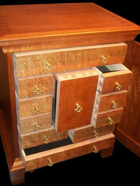 Custom Made Locking Ladies Jewelry Box