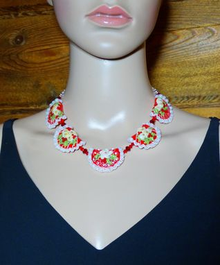 Custom Made Lampwork Glass Christmas Bib Necklace In Red